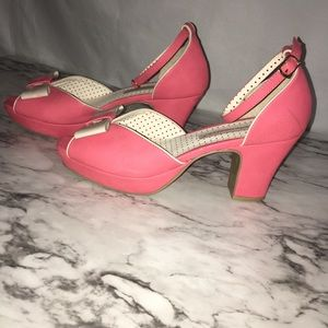 B*A*I*T 50'S Style Pin up pink & white heels SZ:9